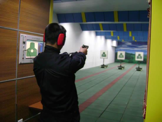 黄瓜山民兵训练基地建设室内靶场超白防