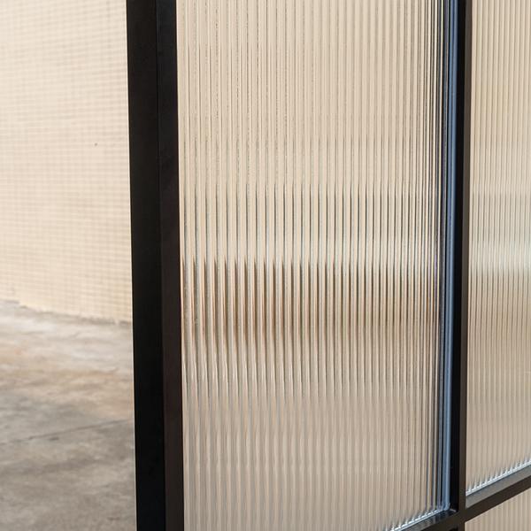 磨砂超白瓦楞玻璃
